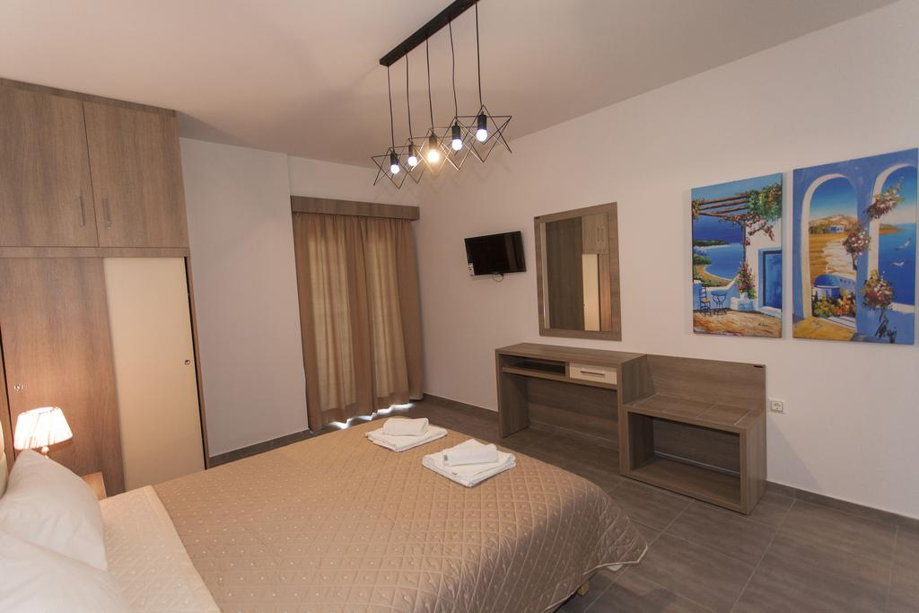 Oasis Exclusive  - Greqi