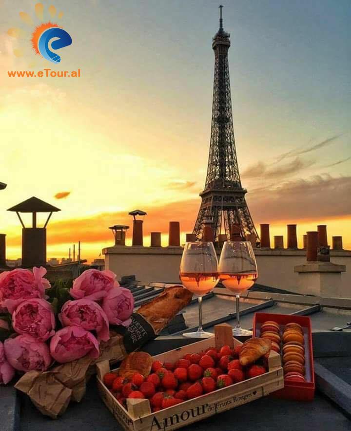 Tur ne Paris