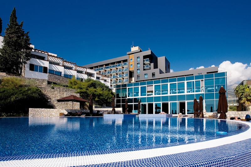 Viti i Ri ne Avala Resort & Villas