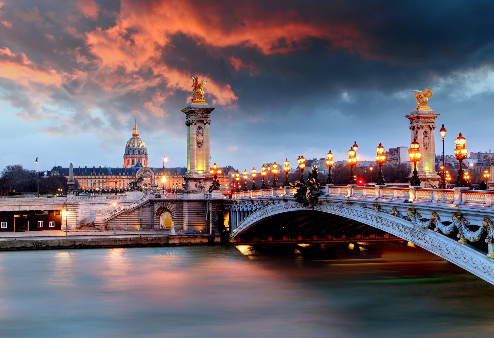 Tur Kulturor ne Paris me avion - France