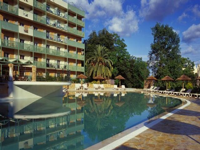 Ariti Grand Hotel - Greqi
