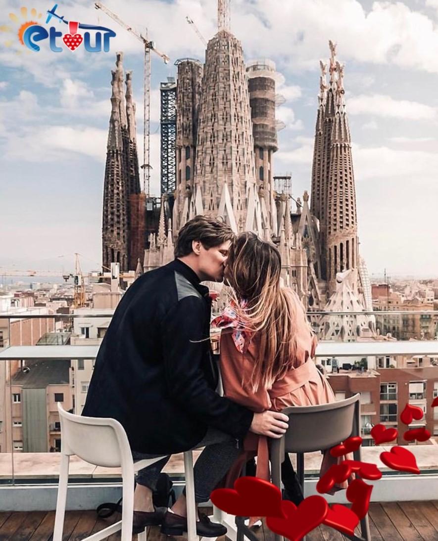 Shen Valentin Ne Barcelone (Fluturim+Hotel+Mengjes)